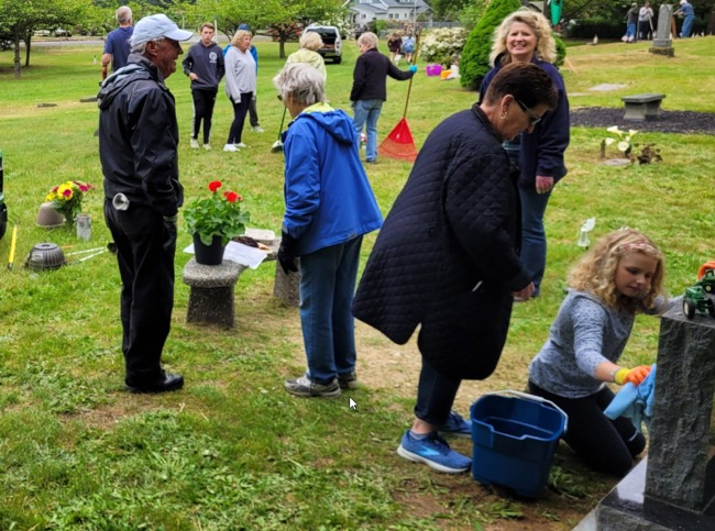 Click to find out more about Cromwell Cemetery 2017 Annual Clean Up Day